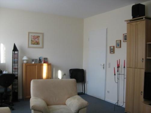 arbeitsplatz im wohnzimmer integrieren wohnzimmer von. Black Bedroom Furniture Sets. Home Design Ideas